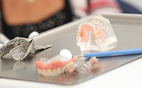 tilskud til tandprotese